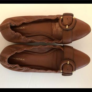 Banana Republic Brown flat size 7